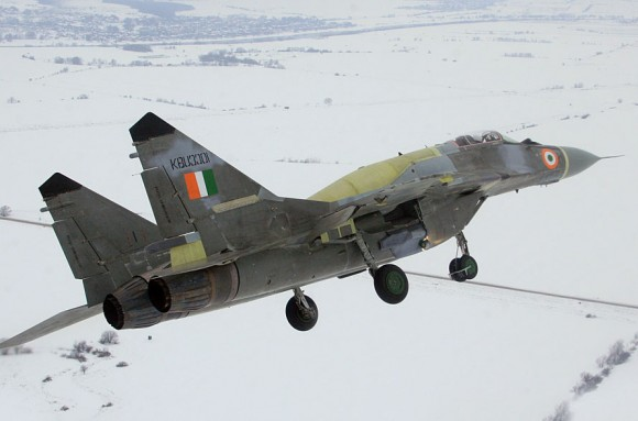 http://www.militaryparitet.com/editor/assets/new/MiG-29UPG-580x383.jpg